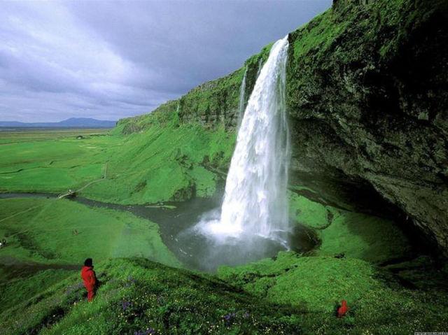 13 Islande-Chute-de-Seljalandsfoss