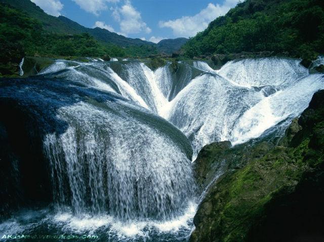 16 Chine-La-cascade-de-Perles-Vallee-de-Jiuzhaigou