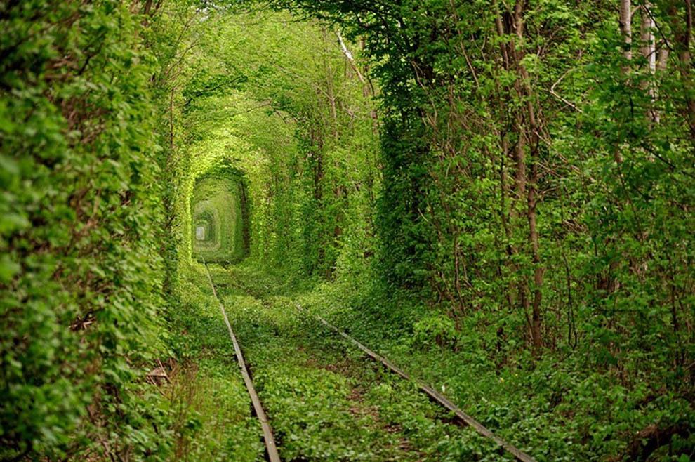 3 Ukraine-Tunnel-de-l-Amour
