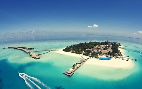 Hotel-Velassaru-Maldives