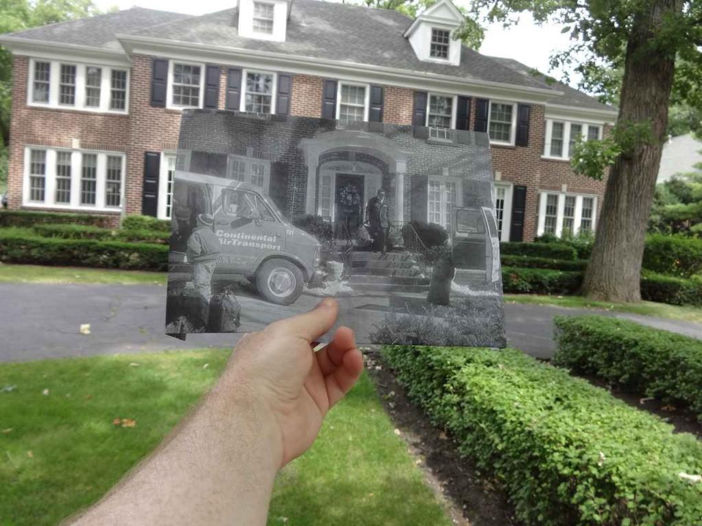 Il-retrouve-des-lieux-de-tournage-célèbres-et-incruste-les-photos-originales-dans-la-réalité-8